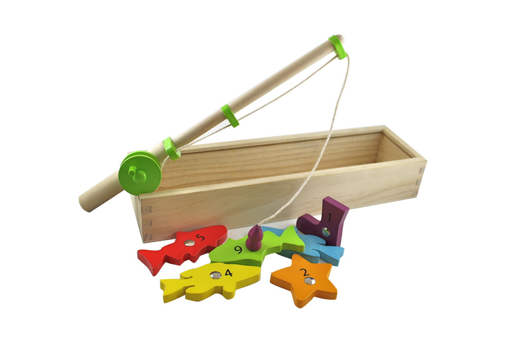 Discoveroo wooden magnetic fishing game at little for Fishing rod game